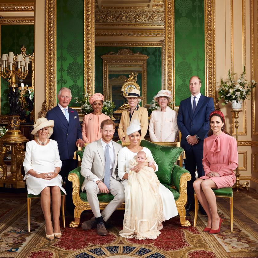 Igazán kedves gesztus volt részükről, hogy Diana hercegnő testvéreit is meghívták a szertartásra.
