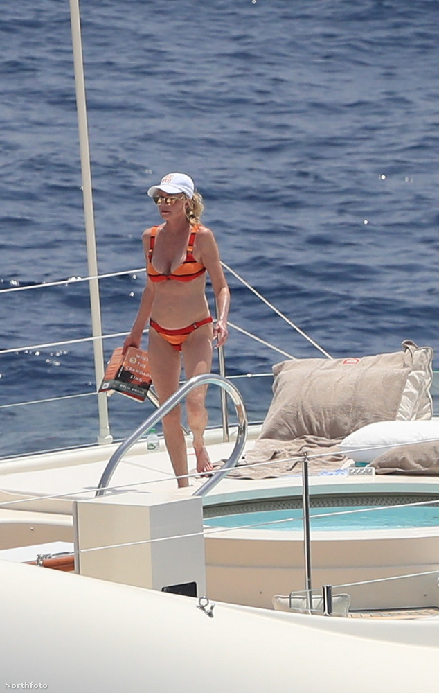 Melanie Griffith éppen Spanyolországban nyaral