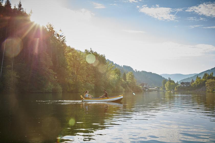 A hegyek ölelte kristálytiszta tó olyan, mint egy tündérmese helyszíne: az osztrák Lunzi-tó nyáron a legjobb úti cél