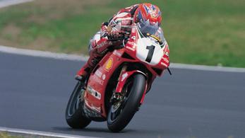 Csak nem egy Fogarty replika Ducati V4 készül?