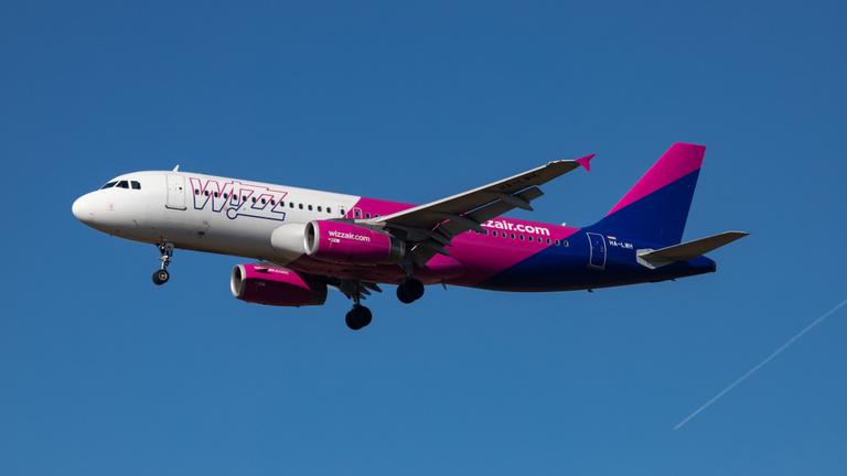 Hét órát késett a gép, de nem fizet a Wizz Air