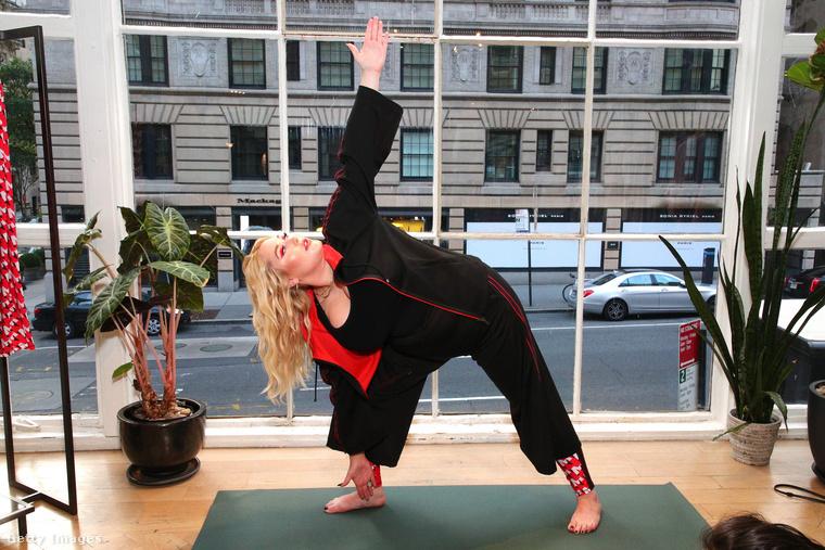 Sőt, a túlsúlyosaknak van csak igazán szüksége arra, hogy érezzék, hogy őket is szívesen látják a jóga-, illetve edzőtermekben