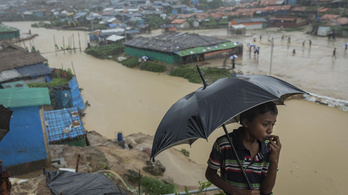 Elpusztította a monszun a rohingják bangladesi táborát