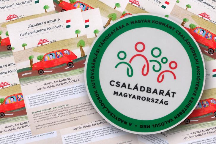 """""""Családbarát Magyarország"""" matrica"""
