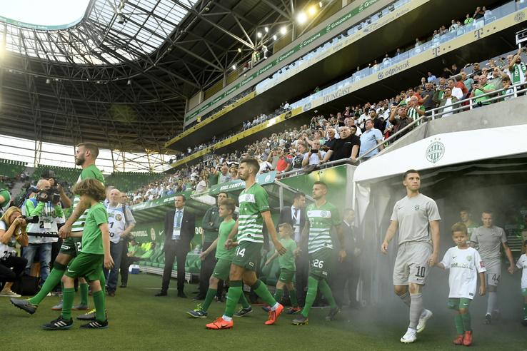 A Ferencváros és a bolgár Ludogorec játékosai pályára vonulnak