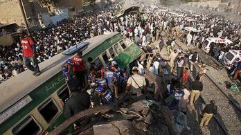 Súlyos vonatbaleset történt Pakisztánban