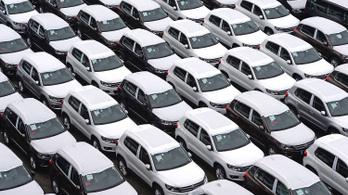 82,5 milliárdért vesz autót az állam