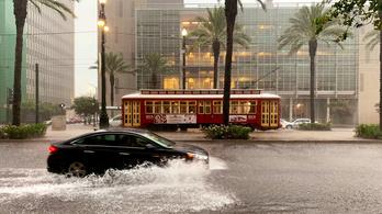 Özönvízszerű esőzés érte el New Orleanst, hurrikánra készülnek