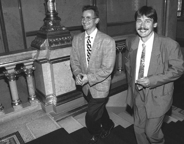 Szájer József és Áder János a parlamentben 1995. szeptemberében