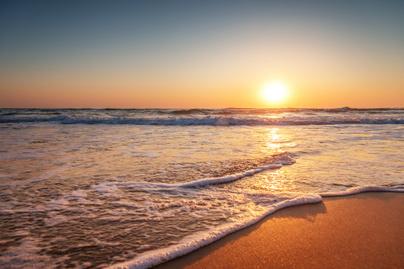 tengerpart-napfelkelte-foto-tenger