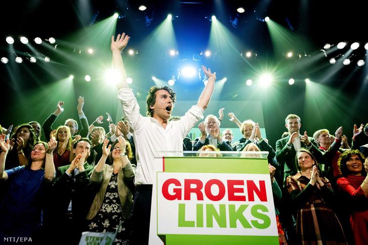 Jesse Klaver a környezetvédõ Zöld Baloldal (GroenLinks) párt kormányfõjelöltje a holland parlamenti választások eredményváró partiján Amszterdamban 2017. március 15-én.