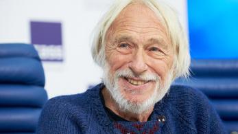 A Magas szőke férfi sztárja, Pierre Richard Budapestre jön
