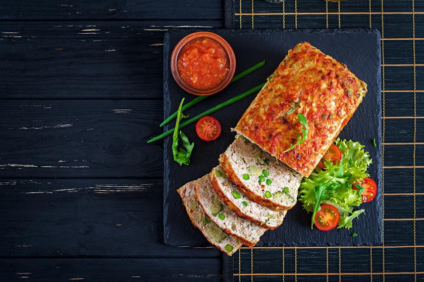 Fűszeres brokkolis csirkefasírt egészben sütve: így nem szívja magát tele olajjal