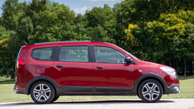 A Dacia Lodgy jelenleg a lehető legolcsóbb hétüléses autó a piacon