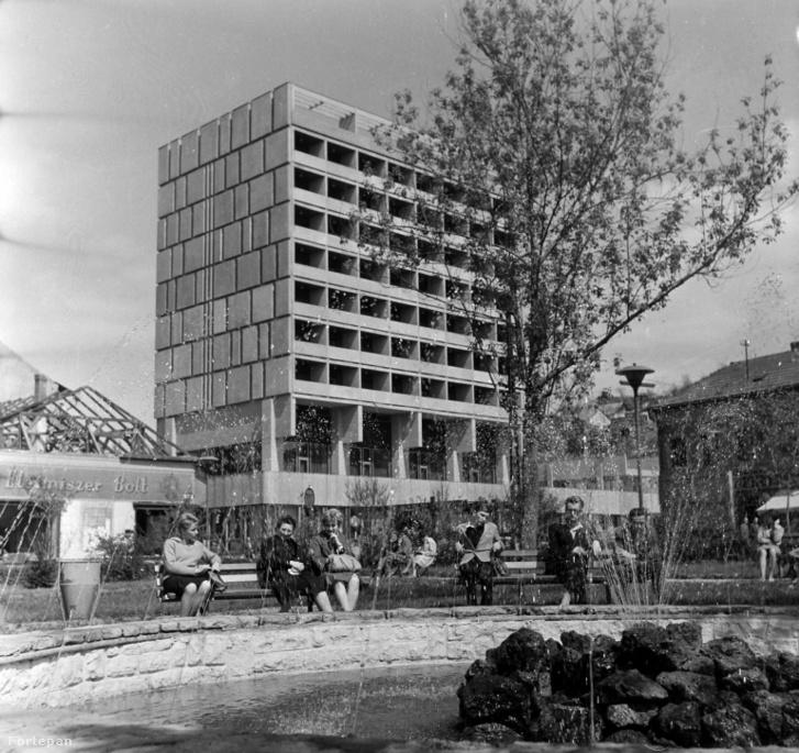 Idilli kép a Karancs Szálló fénykorából, 1964