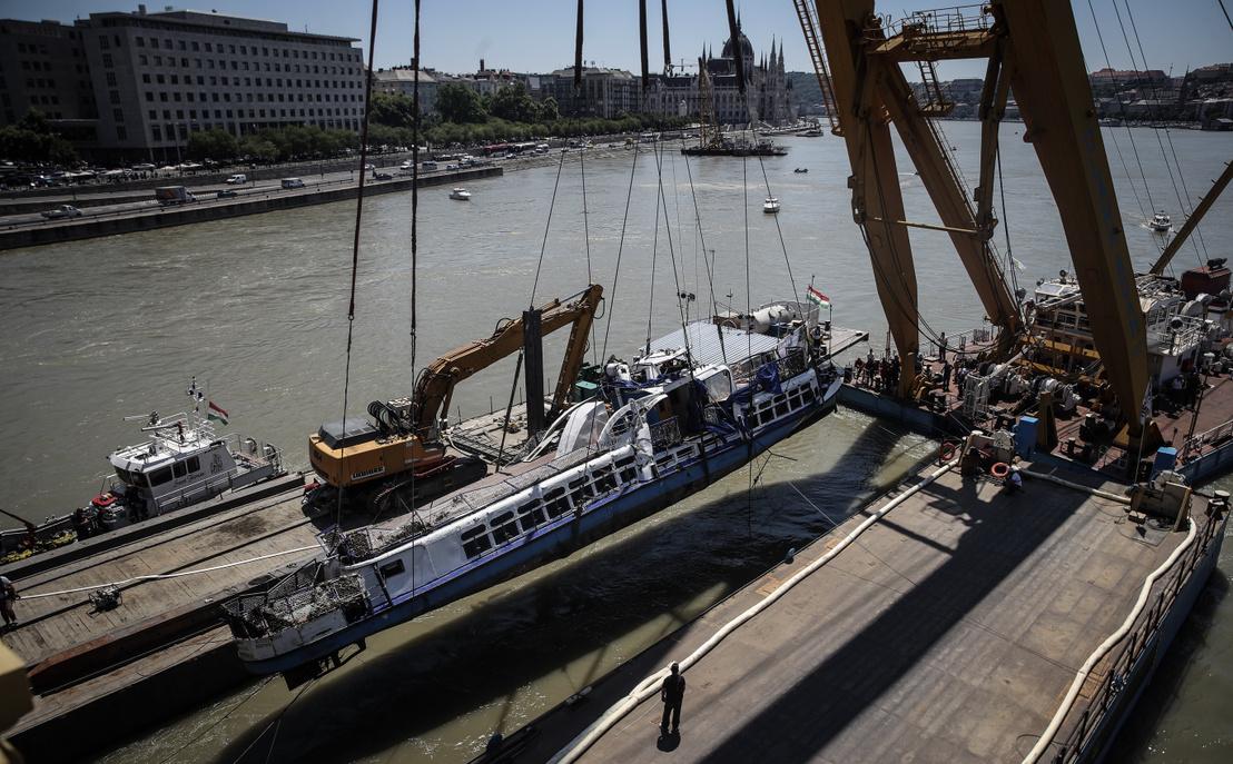 Kabinok: A tengerjáró hajók fedélze- tén belső (ablak nélküli), ablakos és.