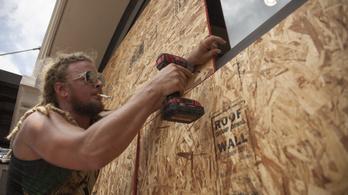 Hurrikánriadót hirdettek ki csütörtökön Louisiana államban