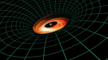 Hihetetlen lemez pörög egy fekete lyuk körül