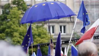 36 éve volt utoljára ilyen magas az EU támogatottsága