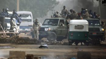 Élőben közvetített vérontás gyengítette meg a szudáni hadurat