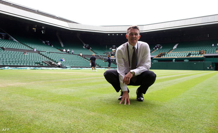 Neil Stubley, wimbledoni klub főkertésze