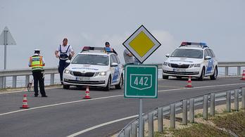 24 órán belül hárman haltak meg a 442-en