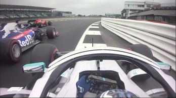 Kvjat necces helyzetet okozott, a Ferrari veri a Merciket