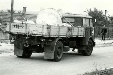 1981 őszén egy IFA-val érkezett meg a Kőcica feje