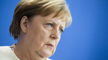 A németek többsége szerint Merkel egészsége magánügy