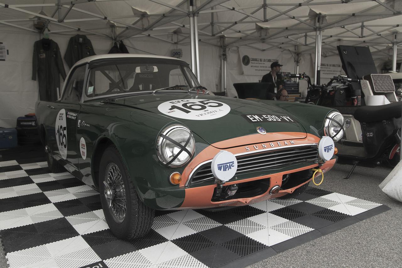 Egy brit autómárka, amely 1976 óta már nem is létezett tovább önállóan, a Sunbeam. A nevet a teljes kihalástól a Chrysler mentette meg egy időre, ám ők már csupán saját típusjelzésként használták, majd 1981-ben végleg kimúlt