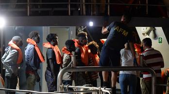 194 embert mentettek meg a Földközi-tengeren szombaton