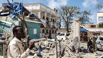 26-an meghaltak egy szomáliai terrortámadásban