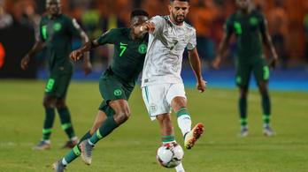 Mahrez a meccs utolsó lövésével rúgta döntőbe Algériát