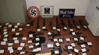 Légiharcrakétára bukkantak a Juve-ultrák neonáci zászlói miatt nyomozó rendőrök