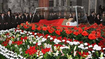 Elfogyott a pénz Kim Ir Szen és Kim Dzsongil holttestének bebalzsamozására?