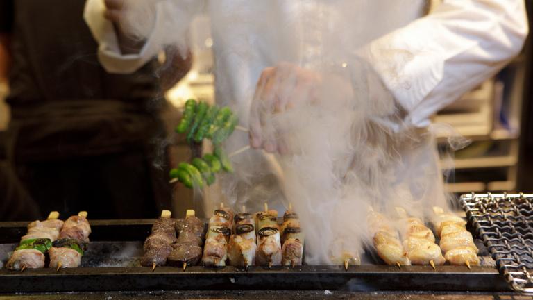 Kikértem a Michelin-csillagos vacsoramenüt, kihoztak egy cafat csirkebőrt