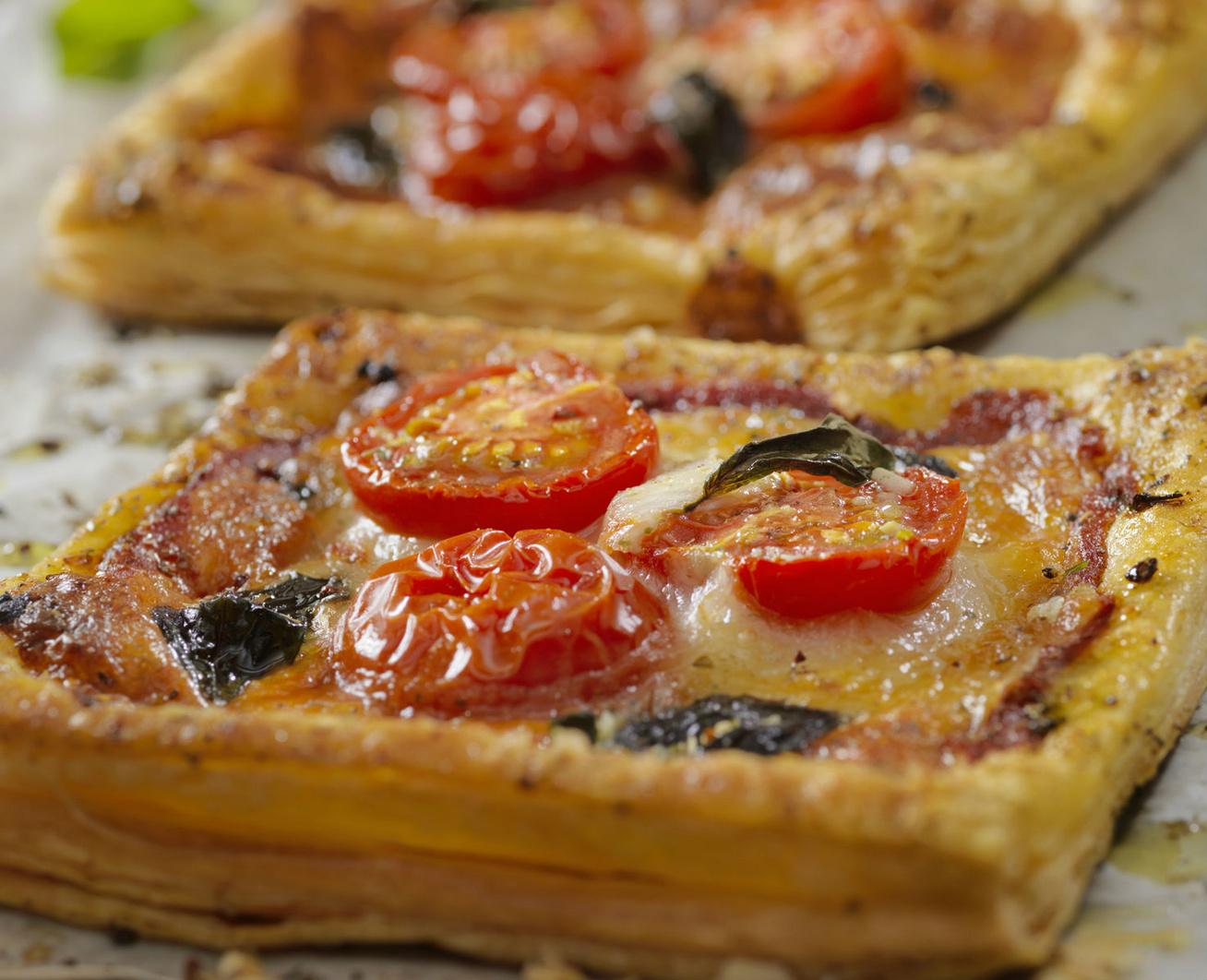 paradicsomos-sajtos-pite