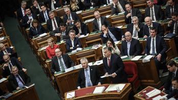 21 képviselő egyszer sem szólalt fel a parlamentben