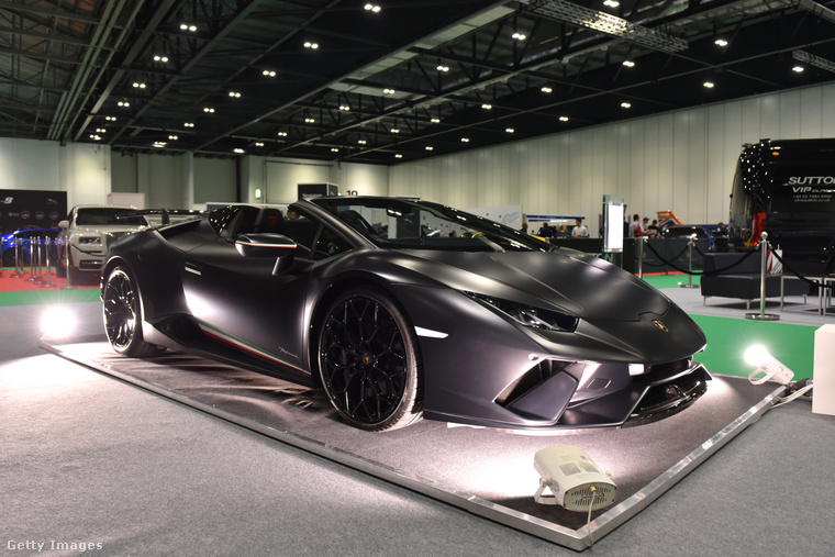 Kattintson a képre egy nagyobb verzióért, hátha így könnyebben el tudja dönteni, hogy venne-e Vajna Tímeától egy ilyesmi kocsit!