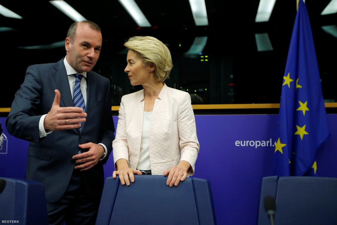 Manfred Weber, az Európai Néppárt frakcióvezetője és Ursula von der Leyen