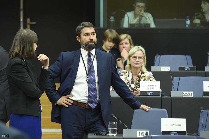 Hidvéghi Balázs a Fidesz-KDNP EP-képviselője az Európai Néppárt képviselőcsoportjának ülésén az Európai Parlamentben Strasbourgban 2019. július 15-én.