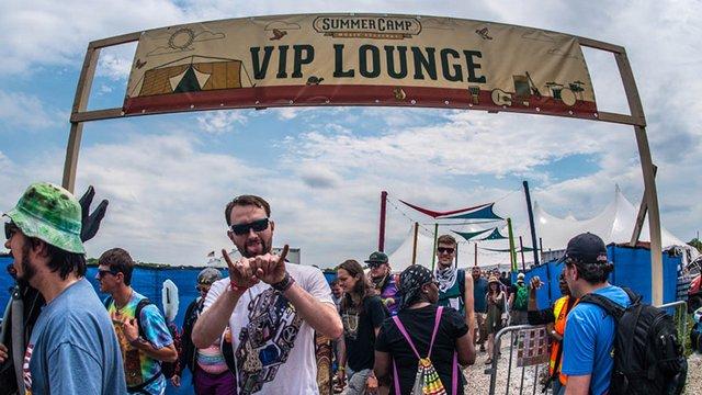 VIP jegyet osztottak fesztiválozóknak STD-szűrésért