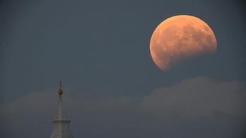 Szépen látszik a holdfogyatkozás