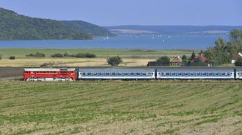 Menetrend szerint közlekednek a balatoni vonatok