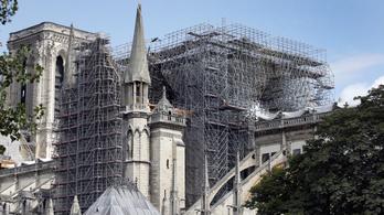 Adókedvezményt kapnak a Notre-Dame újjáépítését támogatók