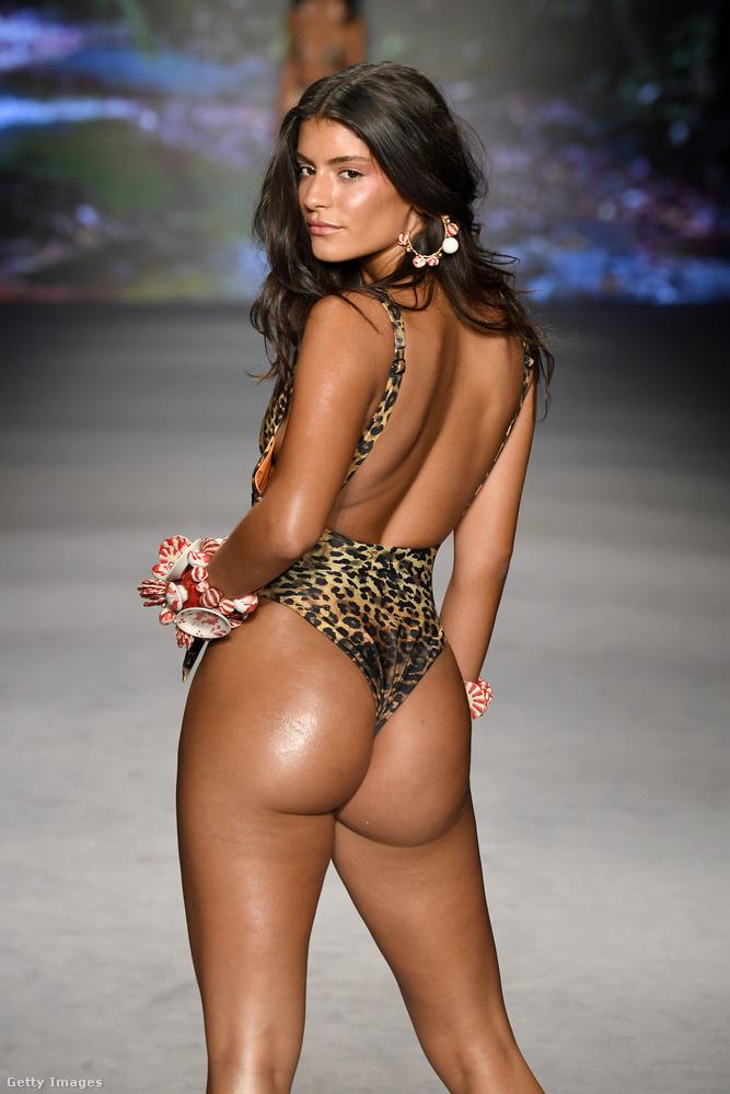 Az Agua Bendita X továbbra is hisz abban, hogy egy leopárdmintánál nincs szexibb.