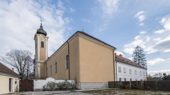A templom, amelynek a falára BL-döntőt vetítettek