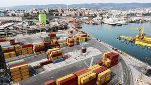 Szakértők szerint óriási pénzkidobás lehet a százmillió eurós trieszti kikötő