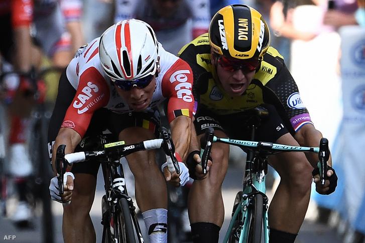 Caleb Ewan és Dylan Groenewegen a Tour de France 11. szakaszának hajrájában