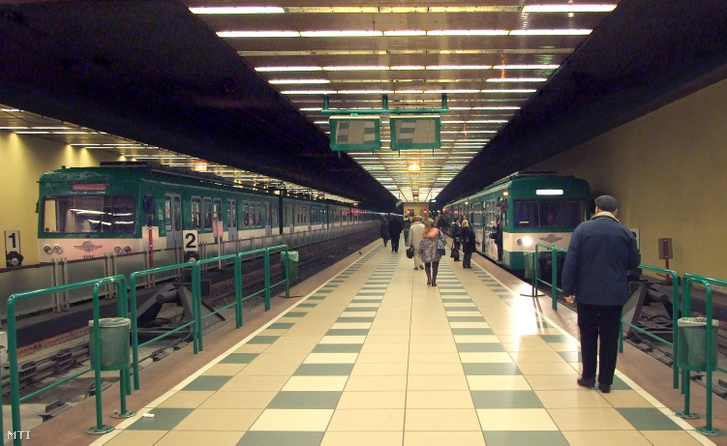 The Batthyány square station of H5 suburban railway line.
